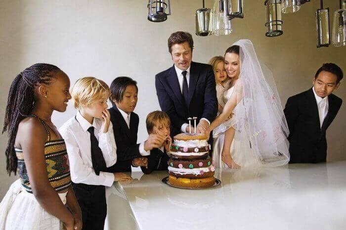 Джоли, Питт, их дети и свадебный торт
