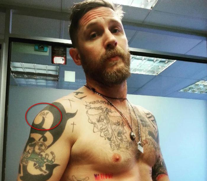 Татуировка II O&R у тома харди