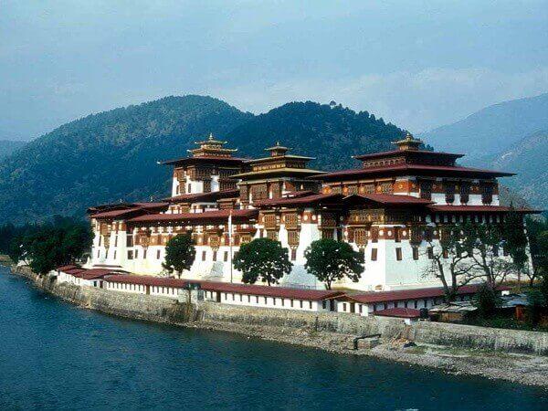 20 самых мирных стран в мире - Бутан
