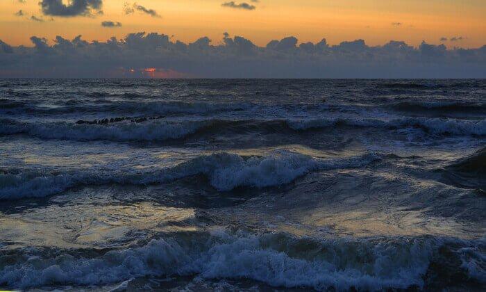 волны Балтийского моря