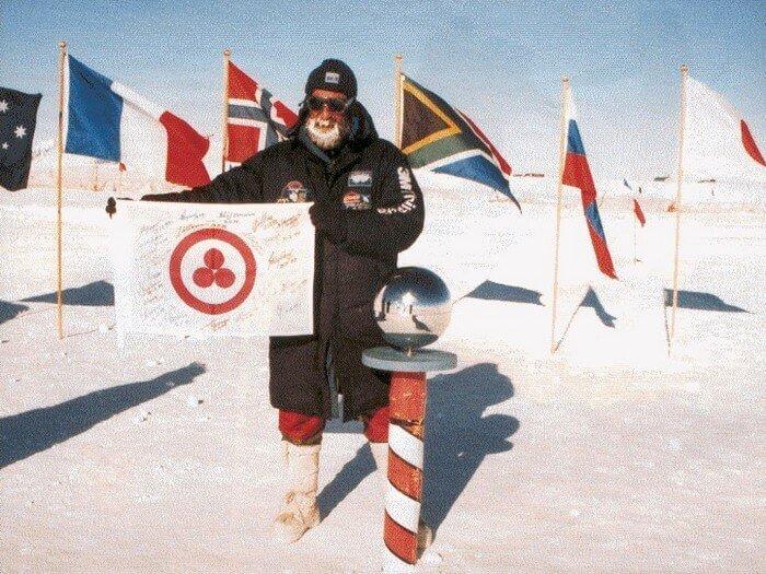 знамя мира на южном полюсе