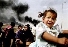 взрывы и плачущий ребенок