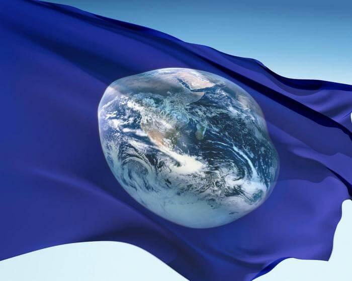 флаг с изображением планеты Земля