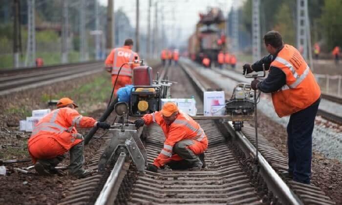 работники железнодорожного транспорта
