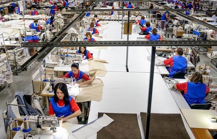 работники текстильной легкой промышленности